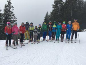 Erstes Skitraining im Schnee